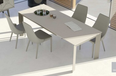 LOVERE dining table