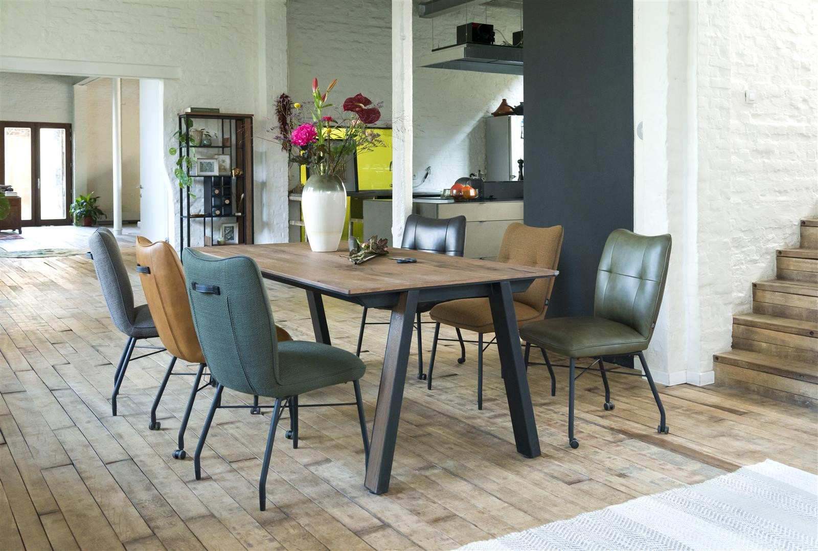 Chiara Dining Chair Wheels Leather, Dining Room Chairs With Wheels